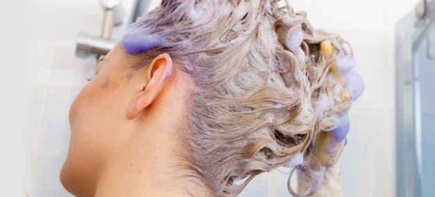 Hoe zilvershampoo gebruiken? De beste tips en tricks!